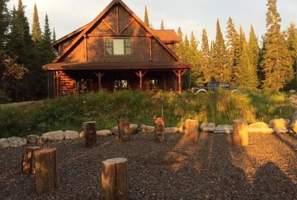 """R Log Home"" Lake Birch 5 Bedroom"