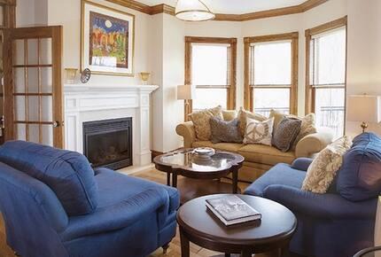 Niagara Vineyard Estate House - Niagara, Canada