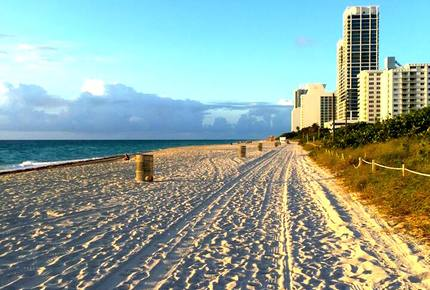 Miami Beach, Mid-Beach  Large 2BR  Beach Front on Collins Ave. -  Comfortably Sleeps 4-6