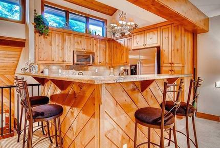 Ridgepoint Townhomes at Beaver Creek, Three Bedroom Residence - Avon, Colorado