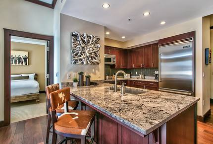 2 Bedroom Lake Tahoe Residence with Ritz Resort Amenities