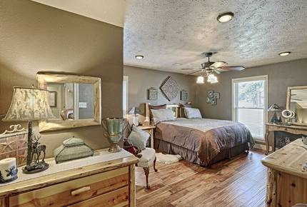 Texas Lake House Getaway - Coldspring, Texas