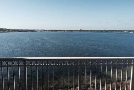 Orlando Lakefront Luxury near Universal and Disney - Orlando, Florida
