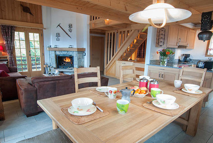 Chalet Lisa | Ski-in / Ski-out traditional Swiss chalet