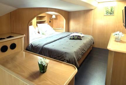 TradeWinds 62ft 4 Cabin Crewed Catamaran Flagship Class - St. Martin Sailing Vacation - Marigot, Netherlands Antilles