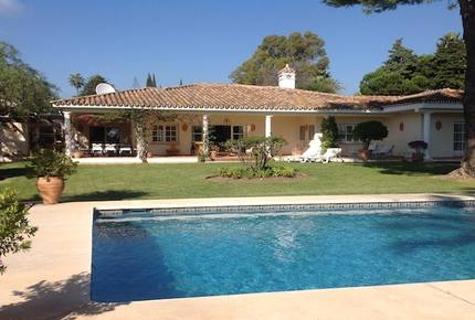 Villa Colina - Estepona, Spain