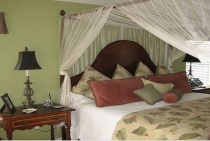 5-bedroom villa in St Augustine