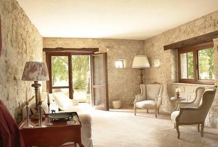 Gorgeous 18th Century Stone Villa in Umbria - Todi, Italy