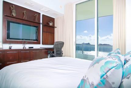 South Beach - Continuum 1204 - Miami Beach, Florida