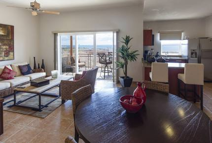 Las Colinas: 3 Bedroom Grand