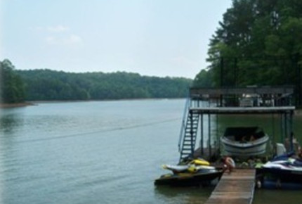 Lake Lanier Retreat - Gainesville, Georgia