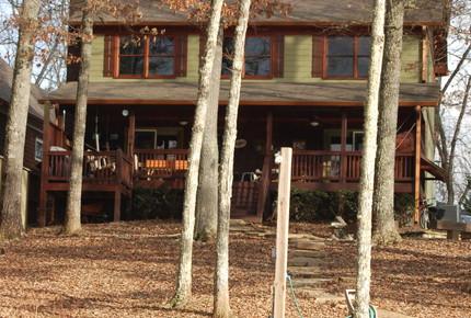 Make a Splash- Lakefront Cabin