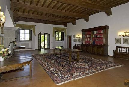 Historic Elegant Villa in a Vineyard near Florence