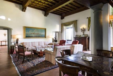 Historic Elegant Villa in a Vineyard near Florence