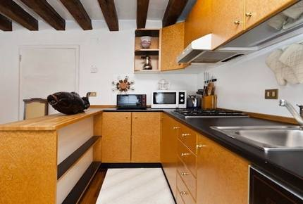 Residenza San Marco 2 - Stylish one-bed apartment in central Venice with amazing views - Venice, Italy
