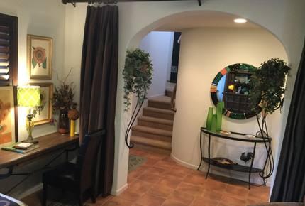 Casa Vibrante - Palm Desert, California