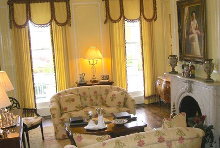 Alexander Suite in Historic Kent Manor Inn - Stevensville, Kent Island, Maryland