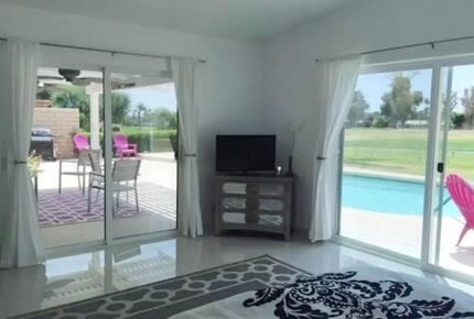 Palm Springs Golf Course Paradise - Palm Desert, California