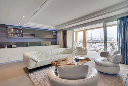 ONE BEDROOM APARTMENT IN CAPE TOWN'S V&A WATERFRONT - Cape Town, South Africa