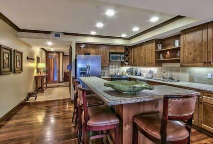 Lake Tahoe Living 2, Tonopalo – 3 Bedroom Residence (Sleeps 10) - Tahoe Vista, California