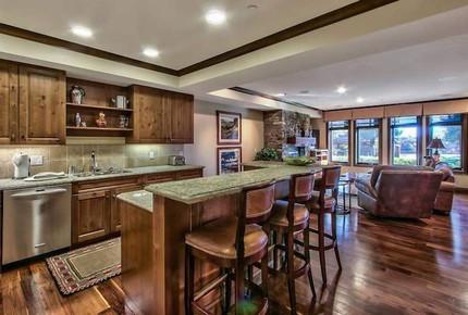 Lake Tahoe Living, Tonopalo – 4 Bedroom Residence - Tahoe Vista, California