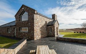Whale Harbour Cottage - Roundstone, Ireland