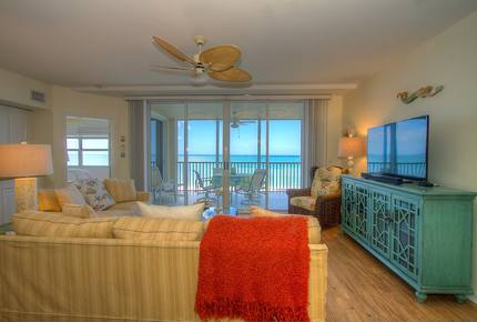 Sea Chase Naples Oceanfront Getaway - Naples, Florida