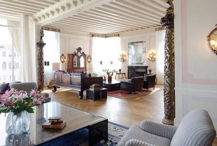 Luxury 5-bed Apartment on The Grand Canal - Venice, Italy