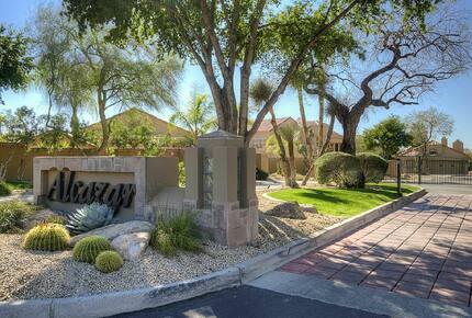 Scottsdale TPC Golf Getaway - Scottsdale, Arizona