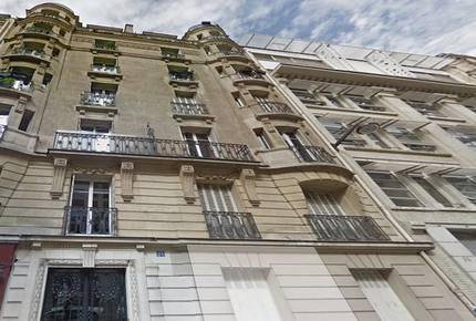 Paris Eiffel Tower Apartment