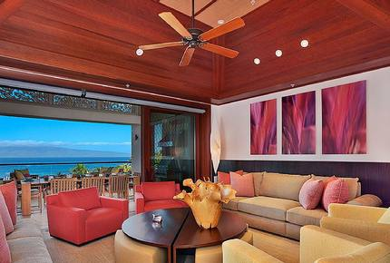 Penthouse with Breathtaking Views of Kapalua Bay and Moloka'I