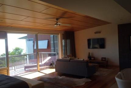 Split Level Noosa Resort Villa