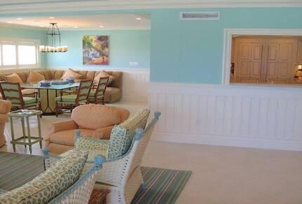 Luxury Cayman Club Beach Condo