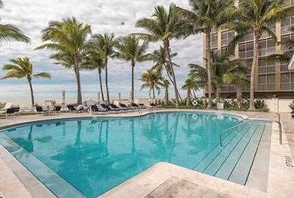 Luxurious Vanderbilt Beach Villa