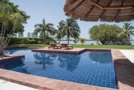 Villa Alux, waterfront pool mansion in Zona Hotelera - Cancun, Mexico