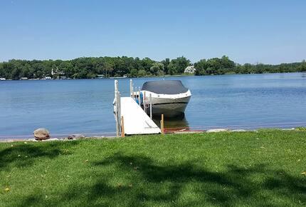 Brand New Luxury Home on Lake Minnetonka
