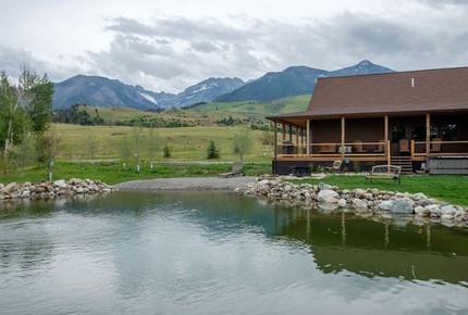 Elk Run, Paradise Valley Montana Mountain Home - Livingston, Montana