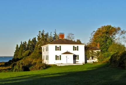 Maine Tennis Estate & Farmhouse - North Haven, Maine