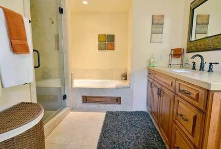 Warm Sands Estate with Lazy River- 4 NIGHT STAY - Palm Springs, California