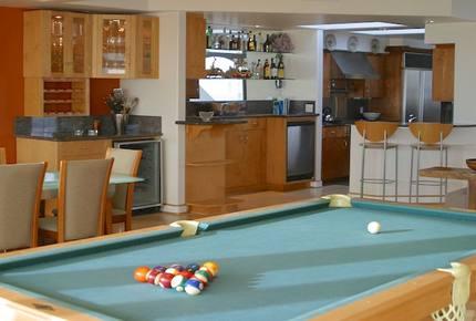 The Pool House on the Strand - Hermosa Beach, California