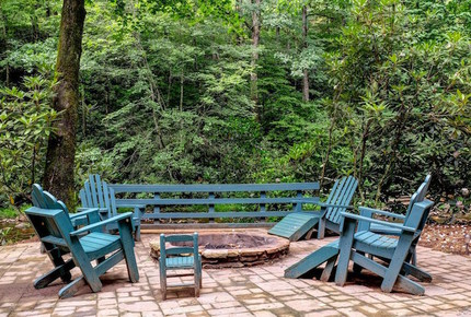 Creek Front Mountain Retreat - Hayesville, North Carolina