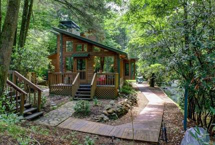 Creek Front Mountain Retreat