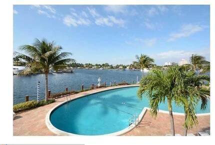 Atlantic Ocean and Intracoastal views - Fort Lauderdale, Florida