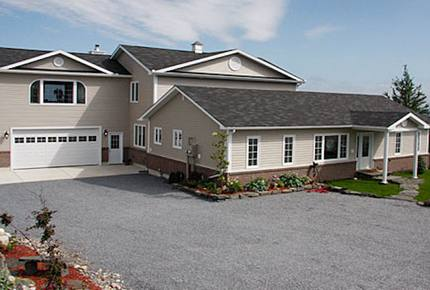 Luxurious Waterfront Jewel in Western Newfoundland - Port au Port, Canada
