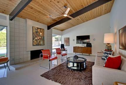 Palm Springs Mid-Century Gem with Spectacular Views!