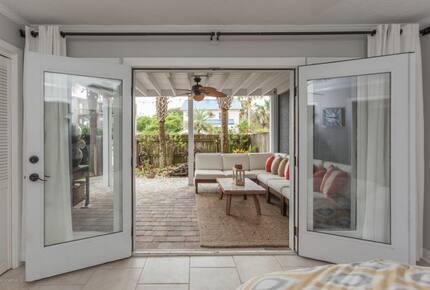 Contemporary Beach House Close to the Beach - Neptune Beach, Florida