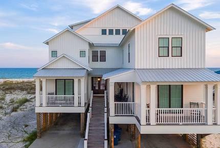 The Veranda- Upscale, Private Gulf Front Beach Home - Gulf Shores, Alabama