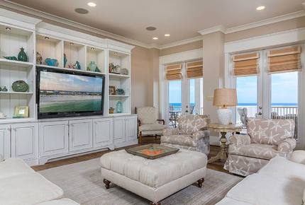 The Veranda- Upscale, Private Gulf Front Beach Home