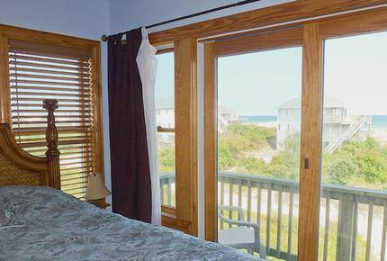 Stargazer Oceanside Home in Carova Beach - Outer Banks - Corolla, North Carolina