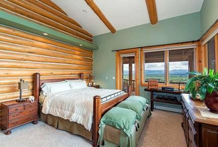 Tahoe Nevada Log Home - Gardnerville, Nevada